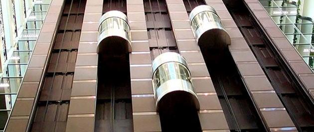 Instalación y mantenimiento de ascensores y otros equipos fijos de elevación y transporte2